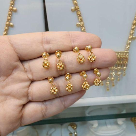 مجوهرات سادة العبد الله On Instagram حلق عناقيد العنب المميز ذهب عيار 21 ب 850 ريال متوفرة لدى فروعنا بإسم سادة Beaded Bracelets Jewelry Pearl Earrings