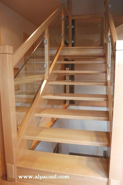 Escalera completa en madera de haya con pasos sin tabica for Escalera de madera 5 pasos