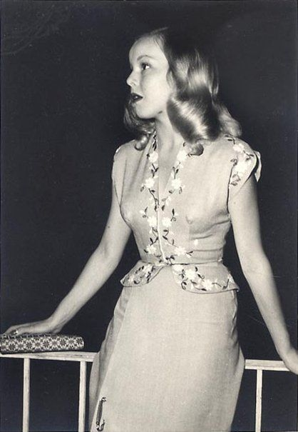 1940s Fashion The Decade Captured In 40 Incredible: Circa 1940s Suit Dress Peplum Floral Found Photo Girl Near
