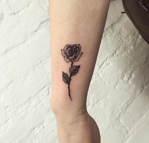 55 Awesome Tiny Rose Tattoos For Women Rose Tattoos Tattoo Fonts Rose Tattoos For Women
