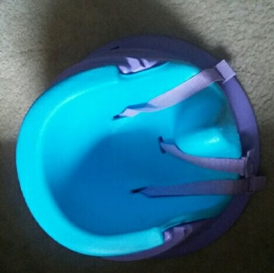 Infant bumbo seat Originally came with pink detachable tray with toys on it but the tray was removed. One of the toys are missing. Fastens fine, my daughter doesn't use it anymore Accessories