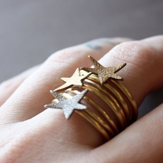 Ring (oh!) Star - i want this in silver!