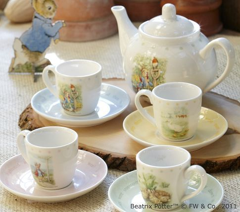 I just love this Peter Rabbit tea set.