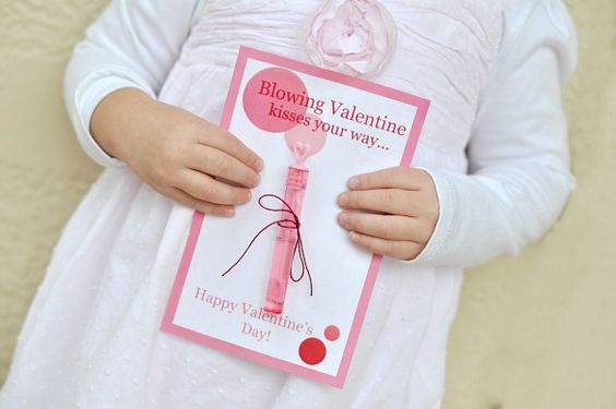 Blowing Valentine Kisses Your Way Valentine with free printable