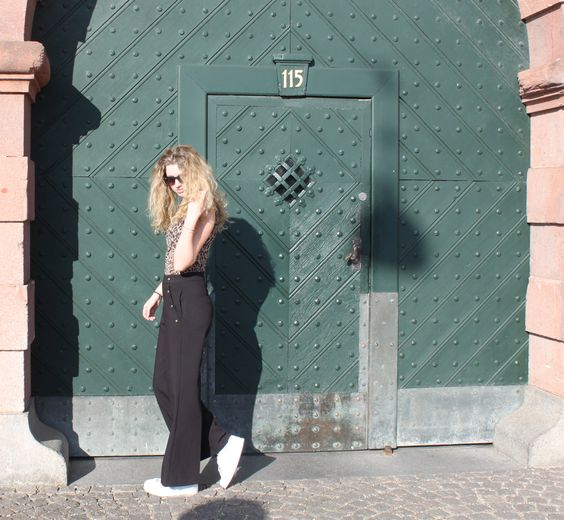 Wide pants and leo top | By Olina