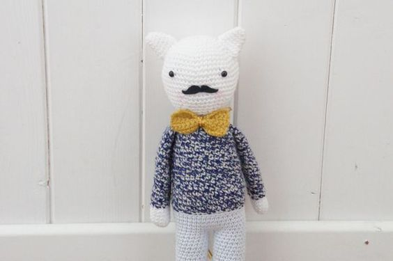Perfectly #crocheted little #mustachioed critter from Lisenn Cabane.