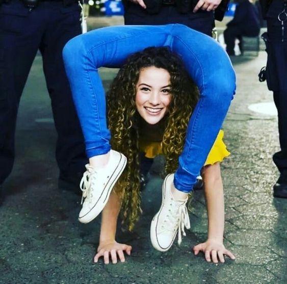 Acrobatics and gymnastics   Sofie dossi, Dance photography, Gymnastics  photography