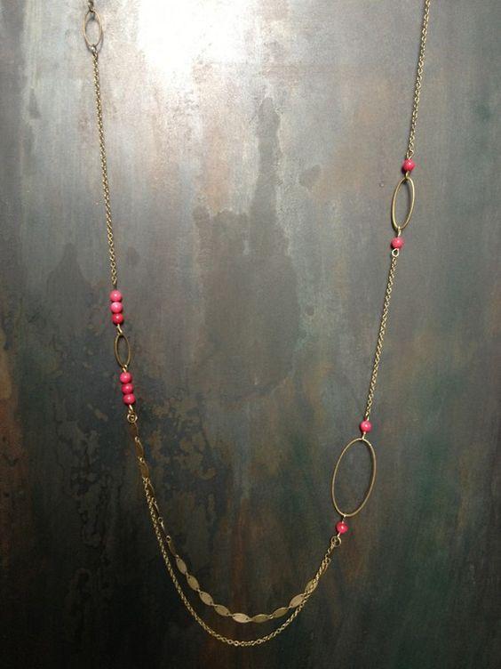 collier sautoir anneaux et perles roses en corail