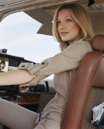 photo of Judy Greer  - car