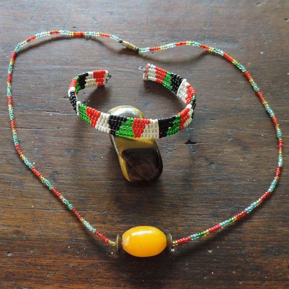 African necklace and bracelet from kenya. de la boutique DLVjewells sur Etsy