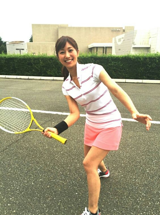 酒井千佳テニスウェア似合う画像