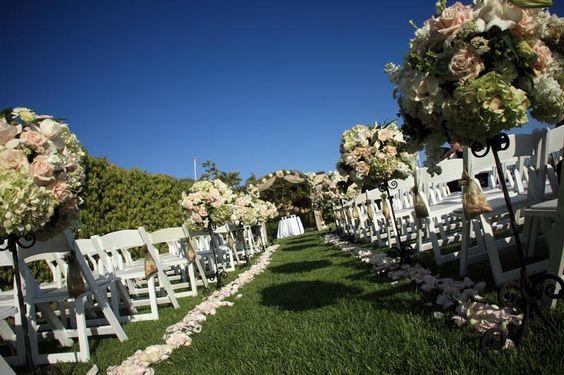 Wedding Lawn at Balboa Bay Resort| Orange County, CA -repinned from Orange County, California officiant https://OfficiantGuy.com #orangecounty #weddings