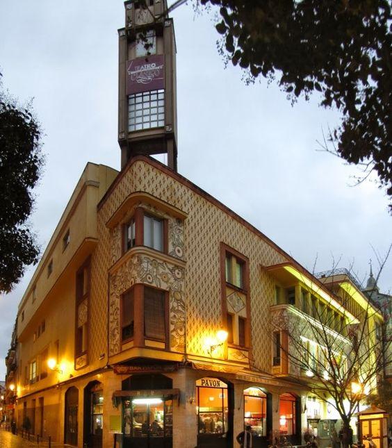 El  Teatro Pavón (calle de Embajadores 9) del año 1924 nos sirve como ejemplo en el mundo del teatro, donde Anasagasti mezcla sabiamente racionalismo, secesionismo y art decó.- MadridMetropolis - Detalles de Madrid: diciembre 2013