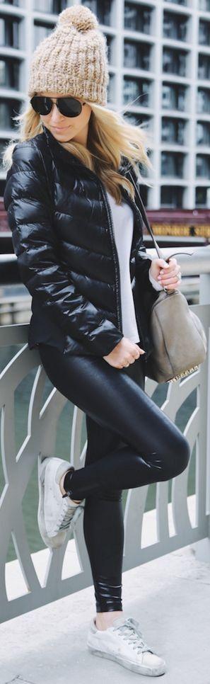 Beige Beanie |Black puffer jacket | Crew neck | Black patent leather leggings | White sneakers | sunglasses | Beige bag |Somewhere, Lately #beige