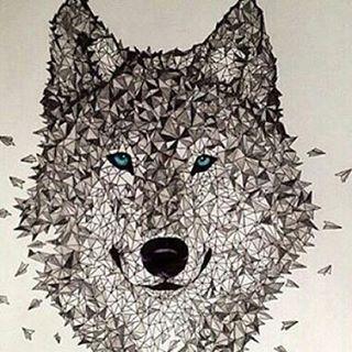 Follow @allforarts for more amazing art works @allforarts  Polygon wolf | Art by  @brandon_cooper  #Destination_Wild