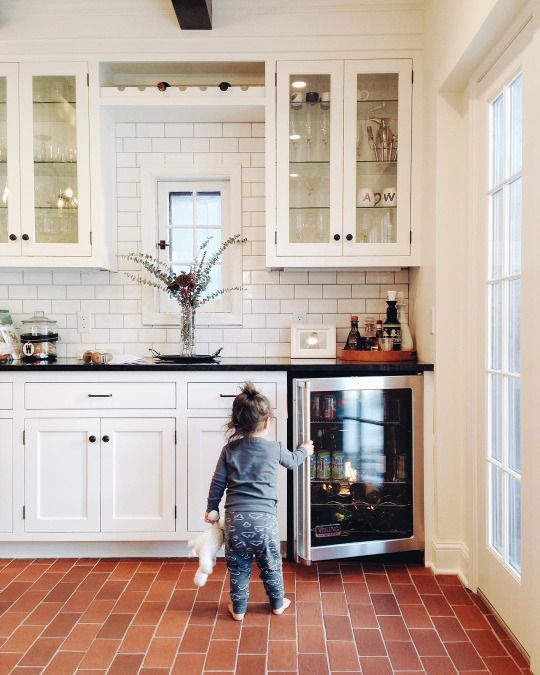 Pin cleodallas h o m e pinterest the floor the for Country kitchen floor tile ideas