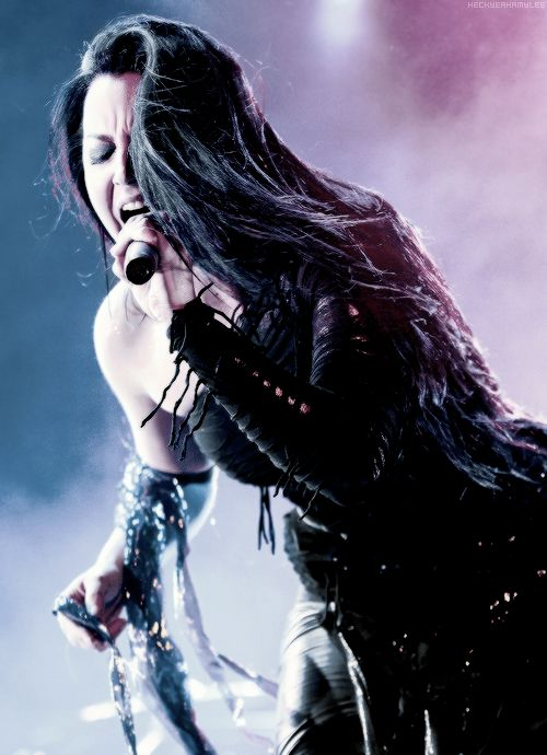 Amy Lee from Evanescence, she truly has an beautiful and amazing voice, she is extremely talented and a gorgeous woman