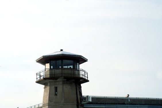 https://flic.kr/p/C2Lrs | IMG_3630.JPG | Tower 5 at the Nebraska State Penitentiary