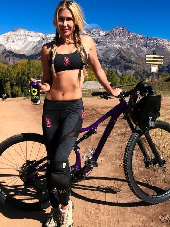 The Best Mountain Bike Gloves Have Several Purposes Nothing Ruins A Wonderful Trail Ride On Your Mountai Mountain Bike Girls Cycling Women Mountain Bike Shoes