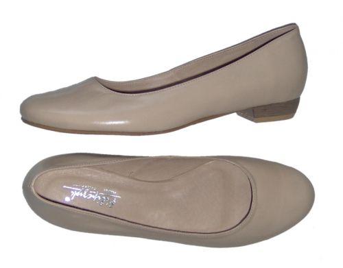 Buty Slubne Buty Do Slubu Biale I Kolorowe Wieczorowe Wizytowe Oferuje Sklep Biale Buty Nietypowe Rozmiary Duze Buty 46 Niskie Plaskie Shoes Fashion Flats