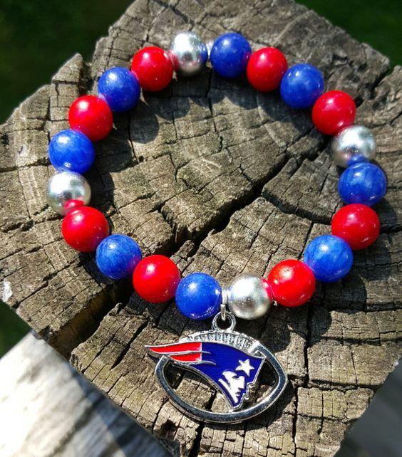 New England Patriots NFL Bracelet. Stretch Bracelet. by KraftyShop