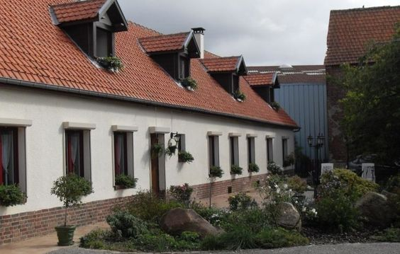 http://www.gites-de-france.com/location-vacances-Vignacourt-Chambre-d-hotes-Les-Gres-Fleuris-80G9107.html
