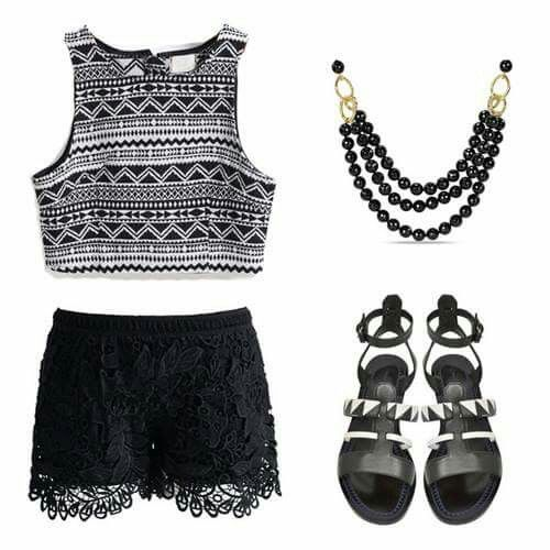 Shorts negros encaje + top étnico