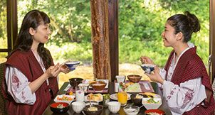 【公式】本家伴久 湯西川名物 元祖囲炉裏会席料理
