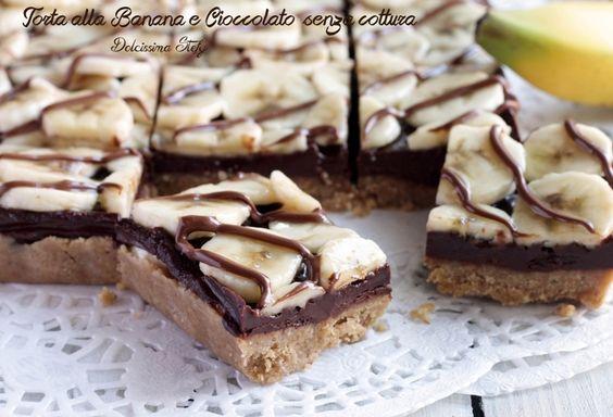 Questa Torta alla Banana e Cioccolato è SENZA COTTURA, facilissima da preparare e golosissima. Pochi passaggi per questa torta deliziosa :D