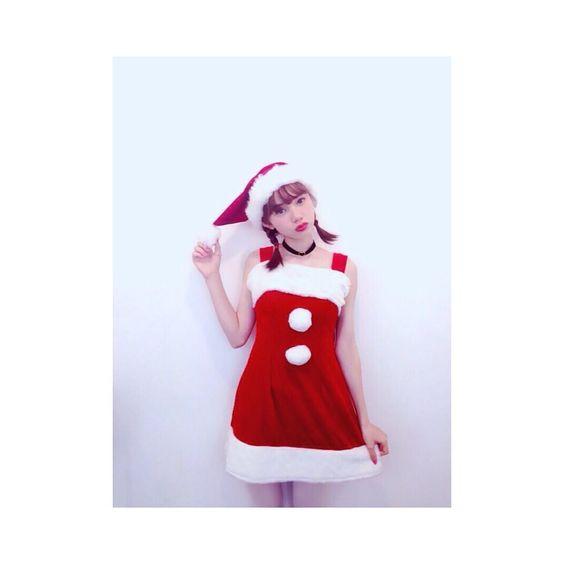 サンタ服を着ているマーシュ彩