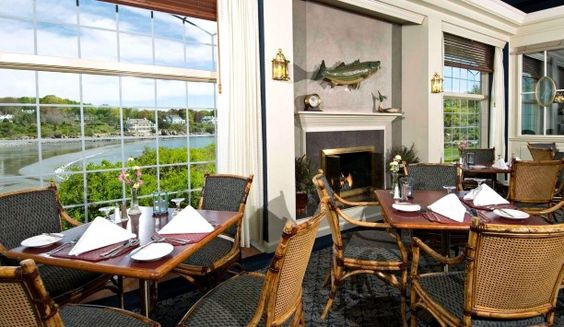 Stage Neck Inn: For when you want to eat by the waves all year round. #Jetsetter #JSBeachDining
