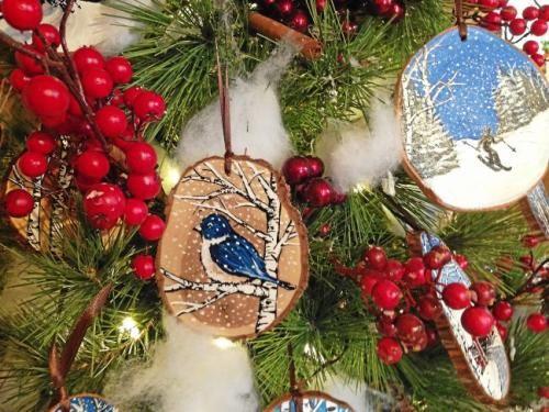 3 Pears Gallery in Dorset displays art on Christmas trees - Berkshire Eagle Online