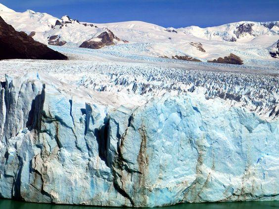 Perito Moreno Glacier, El Calafate, Argentina (Credit: Stingy Nomads)