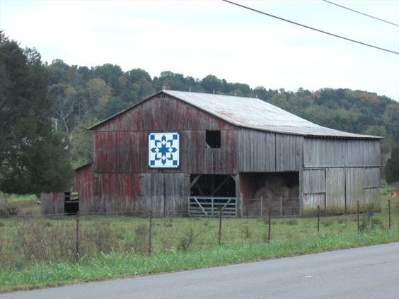 Irish Barn Quilt Patterns : Quilt Barn - Irish Chain - Jefferson City, TN Barns - Quilt Pinterest Quilt, Irish and Chains