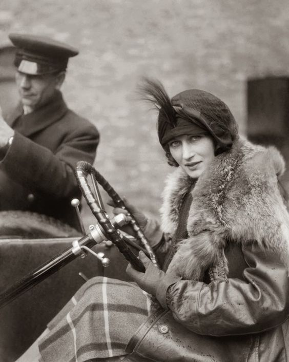 Margot Burke by E. O. Hoppé 1922