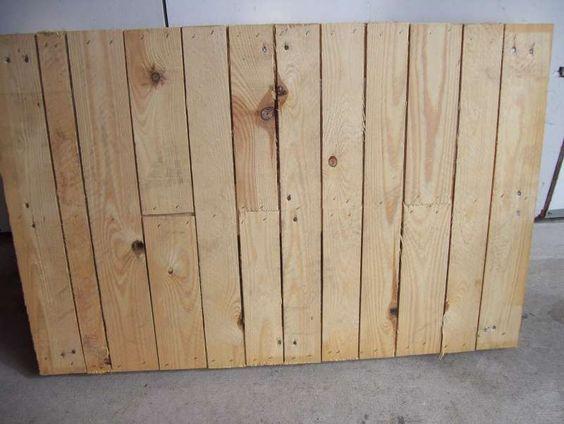 Un bel tavolo di giardinaggio di lavoro composto dai pallet 3