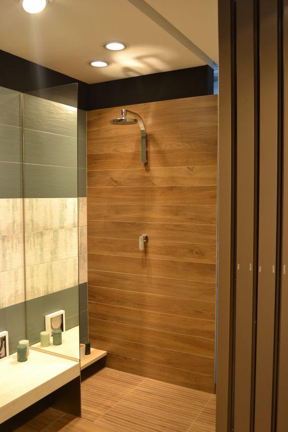 Parete doccia rivestita con la nostra collezione effetto legno ...