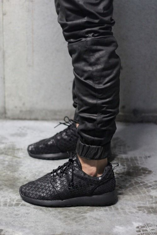 nike roshe with joggers