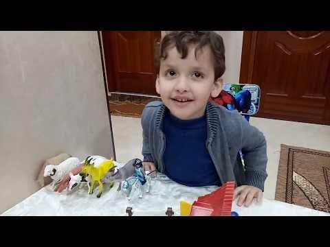 ألعاب أطفال صغار ريان يلعب بالحيوانات الأليفة ويطعمها داخل الحضيرة Youtube Baby Face Face Baby