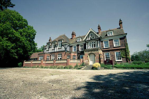 Healing Manor Hotel