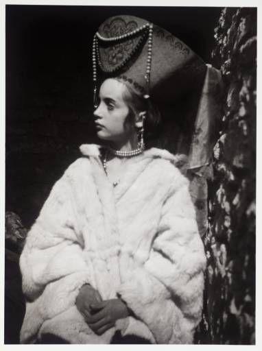 Angelica Bell (later Garnett), Virginia's niece.