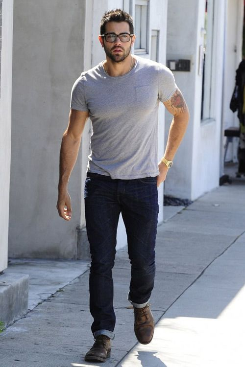 Jesse Metcalfe in West Hollywood