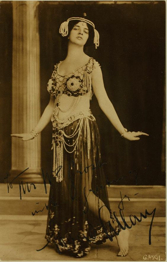 "Image of Maud Allan, in the role of Salome, 1908. Signed ""To Mr. W. Gross, with greetings, Maud Allan."""
