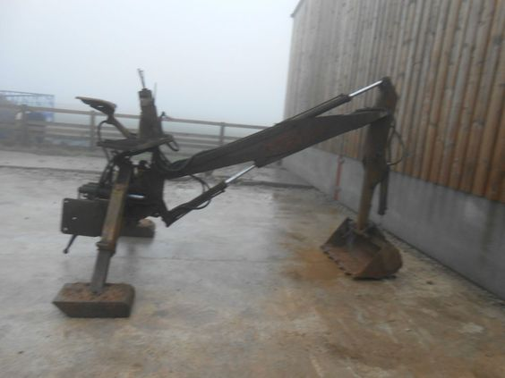Backactor For Tractor. Minidigger, Trencher, Backhoe. With 4 Buckets