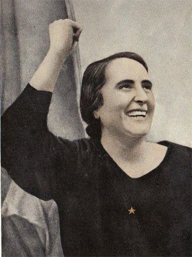 Dolores Ibárruri, símbolo de la resistencia al franquismo, dirigente del Partido Comunista a partir del 1942