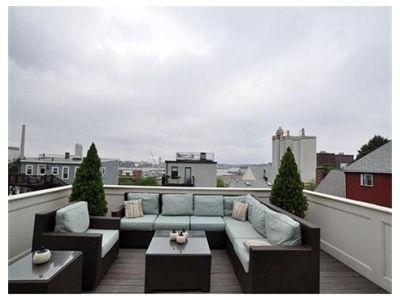 Modular roof deck furniture in Boston
