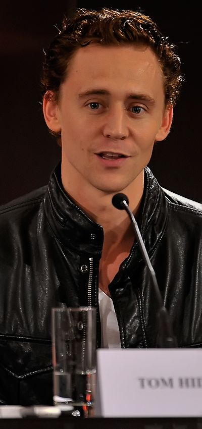 Tom Hiddleston at Thor UK Press Conference on April 11, 2011. Enlarge photo [UHQ]: http://imgbox.com/TmohkGSx. Source: http://torrilla.tumblr.com/post/112025371425/torrilla-tom-hiddleston-chris-hemsworth-and