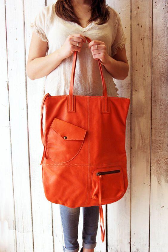 LONG Bag 1 fantastica sacca in pelle rossa di LaSellerieLimited
