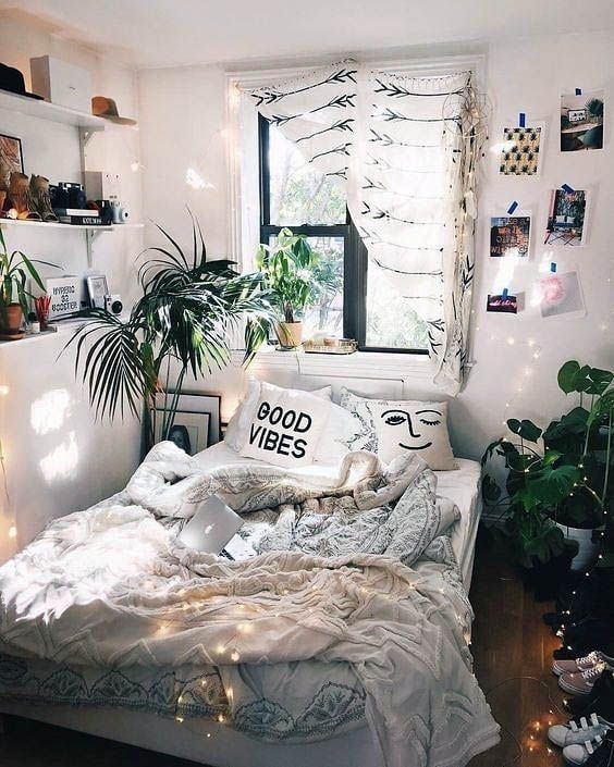 Lovely Cool Vintage Bedroom Ideas To Refresh Your Home Bedroom Design Bedroom Themes Bedroom Decor