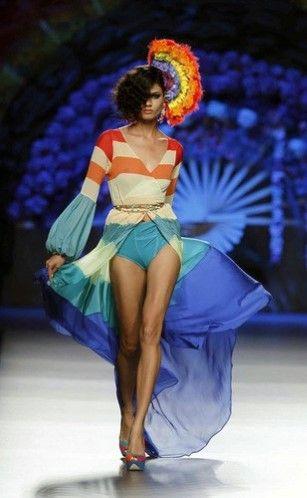 Madrid Fashion Week Primavera Verano 2013-2014 El color predomina en este diseño de Montesinos